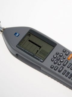Vibration meters Nor133 and Nor136 are designed in accordance with ISO 8041.